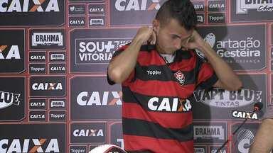 Vitória faz treino intenso nesta quarta-feira (2); time apresenta reforço no ataque - O atacante Lucas Fernandes foi apresentado pelo Fluminense e será a segunda passagem dele pelo rubro-negro baiano.