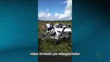 Mulher morre após veículo bater em um poste - Acidente ocorreu na Rodovia SE-230 em Nossa Senhora das Dores (SE).