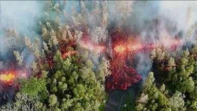 Erupção do vulcão Kilauea obriga 1700 a saírem de casa - Lava do Kilauea, um vulcão ativo há mais de 30 anos, queimou vegetação