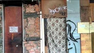Fotos feitas por pesquisadora revelam como viviam os moradores do edifício que desabou - O objetivo da pesquisadora era traçar um perfil dos moradores do edifício, no centro de São Paulo