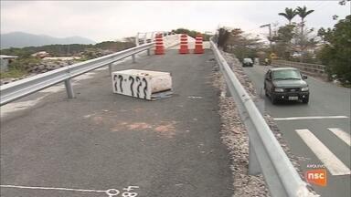 MPF denuncia responsáveis por obras da ponte da Barra da Lagoa, em Florianópolis - MPF denuncia responsáveis por obras da ponte da Barra da Lagoa, em Florianópolis
