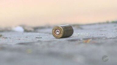 Roubo de banco acaba em tiroteio e assusta moradores de Piracicaba - Criminosos usaram explosivos e levaram tudo o que tinha no cofre da agência bancária, localizada no centro da cidade.