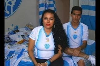 Por amor ao time bicolor, mãe batiza filho com nome de Paysandu - Família, torcedora fanática alviceleste, coleciona bandeiras, camisas e outros objetos do Papão