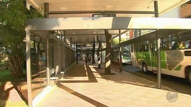 Obras das plataformas de ônibus da Catedral serão retomadas no Centro de Ribeirão - Depois de dois anos paralisadas e de quase R$ 3 milhões gastos, Prefeitura dá novo prazo para conclusão.