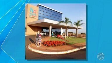 Menina de MS recebe alta de hospital em SP; unidade de saúde muda de nome - A pequena Yasmin agora já está em casa e continua em tratamento. Hospital do Câncer de Barretos muda para Hospital de Amor.