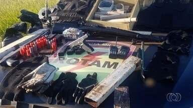 Força-tarefa prende idoso e identifica 7 suspeitos de explodir 3 agências bancárias em GO - Detido é pai de alguns dos envolvidos na série de ataques no município. Ele estava em uma fazenda, na zona rural de Cristalina.