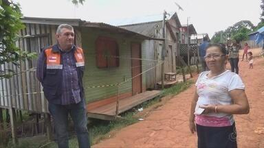 Após deslisamento de terra em Manacapuru, casa é interditada - Moradores próximos a esta área temem viver no local.