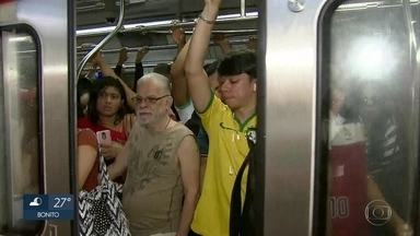 Reajuste da tarifa do Metrô do Recife para R$ 3 revolta passageiros - Valor anterior da passagem era R$ 1,60.
