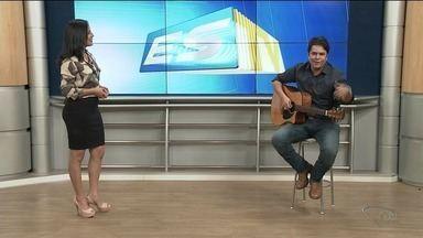 Cantor Cristian Greik se apresenta em Linhares, ES - Ele é conhecido em todo estado, famoso pela música country.