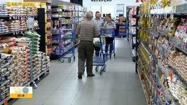 Consumidor gasta cada vez mais e leva menos produtos para casa - Fazer compras está cada vez mais caro em Presidente Prudente.