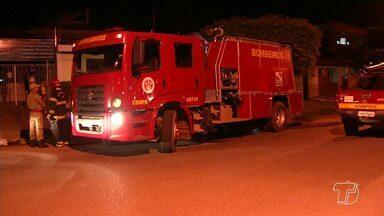 Princípio de incêndio assusta moradores do bairro Aldeia em Santarém - Proprietário conseguiu sair da casa antes do Corpo de Bombeiros chegar ao local.