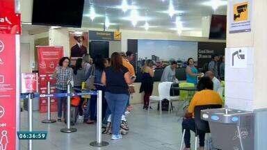 Após mais de 10 horas de espera, passageiros de voo interrompido seguem seu destino - Saiba mais em g1.com.br/ce