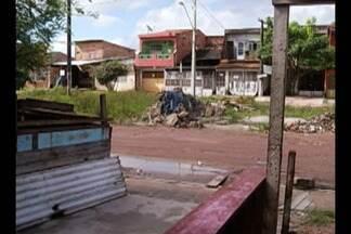 Calendário JL volta à Praça Helena Coutinho, no bairro do Canudos, em Belém - Esta é a nona visita do Calendário JL no local, que está tomado pelo mato e lixo