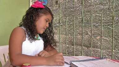 Saiba a importância da lição de casa e como os pais podem ajudar os filhos - Ajudar os filhos a fazerem as tarefas da escola nem sempre é fácil, mas exige disciplina dos pais e dos filhos para o processo ensino aprendizagem.