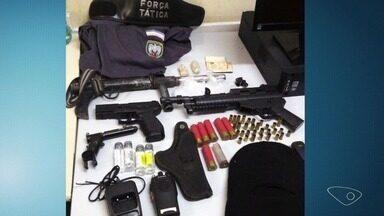 Seis pessoas são presas em operações policiais na Grande Vitória - Armas, drogas e dinheiro foram apreendidos.
