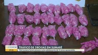 Três adultos e uma adolescente foram flagrados por tráfico de drogas em Sumaré - A jovem foi entregue aos pais, mas os adultos vão responder pelo crime.