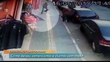 Funcionários do Camelódromo de Campinas reclamam de insegurança na região, em Goiânia - Eles estão assustados depois que dois homens foram baleados no centro comercial.