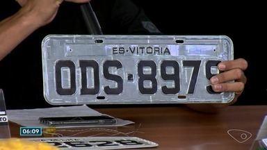 Três suspeitos de participarem de quadrilha que adulterava carros no ES são presos - Durante quatro meses de investigação, pelo menos 20 carros foram clonados. Um quarto homem foi identificado e está foragido.