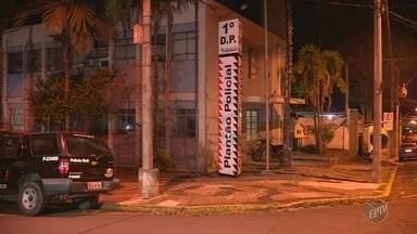 Viatura descaracterizada da Polícia Civil é furtada, em Piracicaba - Investigador informou ao delegado que fazia patrulhamento, estacionou o veículo e, quando voltou, não encontrou. Carro foi localizado em Americana (SP).