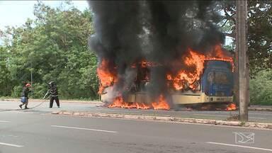Passageiros reclamam de desrespeitos aos idosos no transporte público de São Luís - Uma idosa morreu na quinta-feira (17) após cair de um ônibus na capital.