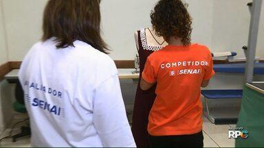 Alunos se reúnem para a Olimpíada do Conhecimento em Londrina - A Olimpíada do Conhecimento é uma competição nacional promovida pelo Senai que reúne alunos de vários estados do país.