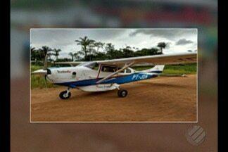 Bombeiros resgatam corpos de piloto e co-piloto de avião que caiu no Amazonas - A aeronava decolou de Itaituba, no sudoeste do Pará, com destino a Manaus.