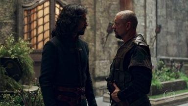 Romero avisa a Afonso que o conselheiro Gregório chegará a Montemor - O Rei fica satisfeito com a notícia