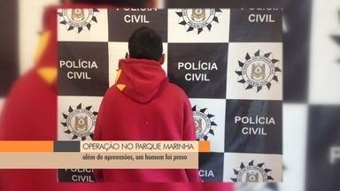 Operação no bairro Parque Marinha, em Rio Grande - Drogas foram apreendidas e um jovem de 18 anos foi preso.