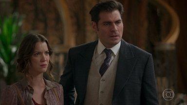 Charlotte e Darcy se desentendem - Ele tenta se explicar, mas a irmã não lhe dá ouvidos