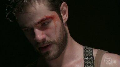 Camilo recebe uma proposta para voltar a lutar - Mas o contratante deixa claro que ele vai receber para perder a luta