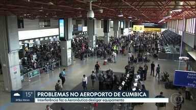 Atraso e vôos cancelados: manhã complicada no Aeroporto de Guarulhos - Além do nevoeiro, sistema que permite o pouso por instrumentos em condição de baixa visibilidade foi desligado pela aeronáutica