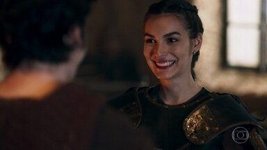 Selena comemora que Ulisses e Romero fizeram as pazes - O amigo alerta a guerreira sobre as investigações do inquisidor