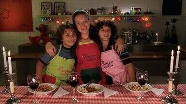 Macarrão Sensazionale - Com enigmas que a Luísa faz sobre a origem da receita, Luigi e Edu descobrem que farão massa e fios de macarrão. Dançando tarantela, os meninos se divertem e aprendem um monte de palavras em italiano.
