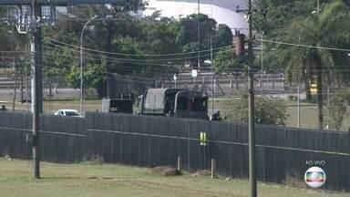Exército chega à refinaria de Paulínia para garantir distribuição de combustíveis - Tropas do exército farão a escolta de oito carretas para o Aeroporto de Viracopos.