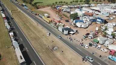 Moradores de Piracicaba foram às ruas em favor dos caminhoneiros - Manifestantes se concentraram na praça José Bonifácio, no centro da cidade. Também teve protesto na Rodovia Miguel Melhado em Campinas.