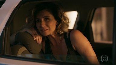 Luzia observa Ícaro e Manuela juntos - Ícaro afirma a Manuela que irá morar com ela. Manu conta que está trabalhando com Ariella