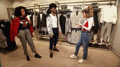 No 'Expresso da Moda', a apresentadora Paula Magalhães monta looks com a calça clochard - No 'Expresso da Moda', a apresentadora Paula Magalhães monta looks com a calça clochard