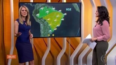Previsão é de chuva no litoral do Nordeste nesta quinta-feira - Em São Paulo, o tempo cai continuar firme. A meteorologia prevê chuva em todo estado do Rio Grande do Sul. Confira como fica o tempo em todo país.