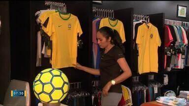 Copa do Mundo movimenta comércio de artigos esportivos em Teresina - Copa do Mundo movimenta comércio de artigos esportivos em Teresina