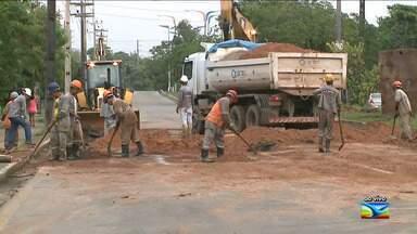 Obra na Avenida dos Africanos, em São Luís, complica o trânsito - Obra na Avenida dos Africanos, em São Luís, complica o trânsito. A obra começou nesta terça-feira (5) e segue até quinta-feira (7).
