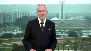 """Alexandre Garcia: """"ANP vai fazer o trabalho da diretoria financeira da Petrobras"""" - Consulta pública da ANP para discutir os reajustes dos combustíveis causou estranheza."""