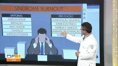 """Quadro Pergunte ao Doutor tira dúvidas sobre """"Síndrome de Burnout"""" - Síndrome é desenvolvida no ambiente de trabalho e provoca esgotamento físico e emocional. Uma das para evitar e curar o Burnout é aproveitar o tempo livre para fazer atividades fisicas e aproveitar áreas verdes."""
