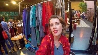 Empresária da moda muda vida de trabalhadoras na África do Sul - Brasileira criou uma grife de roupas na África do Sul e só contrata mulheres que não sabiam costurar. Ela mesma treina as novas costureiras.