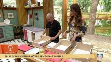 Desiner mostra como decorar móveis usando adesivos - Ténica dá uma nova cara para móveis antigos