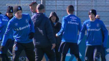 Grêmio recebe América-MG na Arena em busca de vitória e de 'espantar o frio' - Assista ao vídeo.