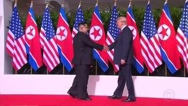 Encontro histórico entre Trump e Kim Jong-Un traz otimismo mas incertezas também - Cúpula de Singapura durou cerca de 5 horas e terminou com a assinatura de documentos de intenções.
