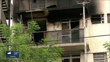 Apartamento no centro da capital pegou fogo na madrugada desta quarta - Criança de sete anos estava sozinha em casa. Ninguém se machucou.