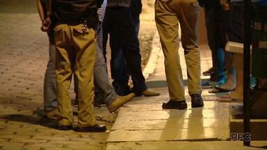 Grupo de compristas são assaltados em Foz do Iguaçu - Dois jovens suspeitos foram detidos.
