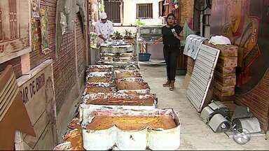 Festa do Bolo de Milho Gigante é realizada em Caruaru - Festa é realizada no bairro Indianópolis.
