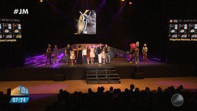 Profissionais baianos são reconhecidos no Prêmio Braskem de Teatro - Veja como foi a festa de premiação.